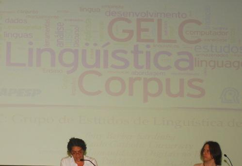 24/10. Maria Clara Paixão de Sousa e Nelson Lago (slide de Tony Berber Sardinha), Sessão de Projetos. Foto: Jorge Viana.