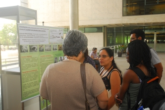 24/10. Dália Guerreiro, Daniela Pires e Omotayo Yussuf, Sessão de Posteres. Foto: Jorge Viana.