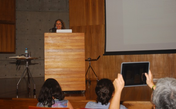 24/10. Íris Kantor, Mesa dos Historiadores. Foto: Jorge Viana.