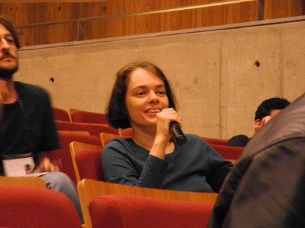 24/10. Participante nos debates. Foto: Elena Lombardo.